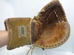Vintage-Ice-Hockey-Goalie-Left-Glove-Catcher-Trapper